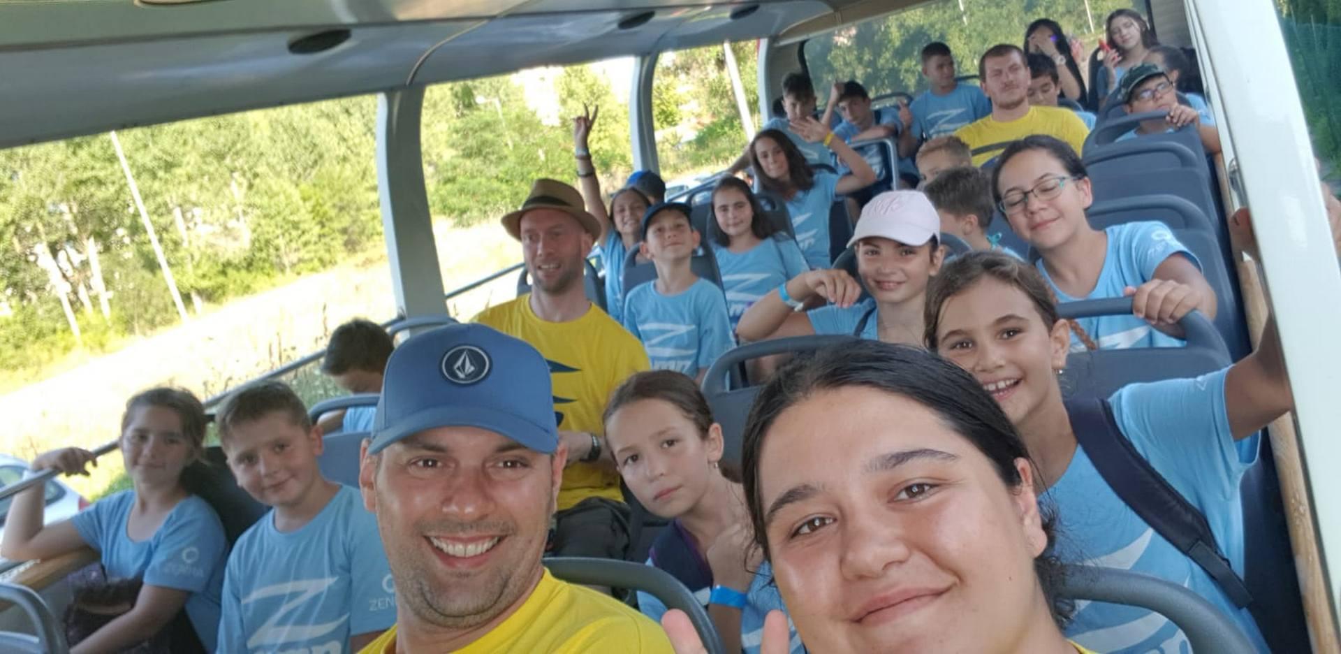 Z_camp_excursion_bus1