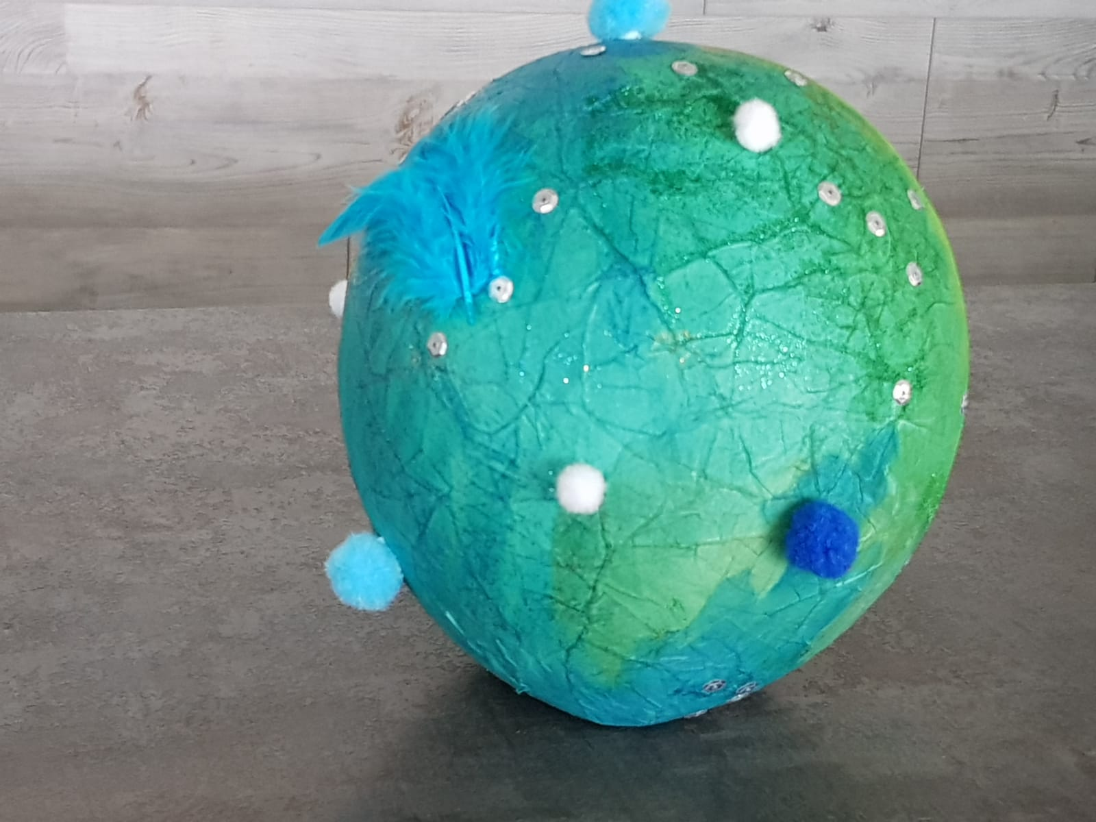 Z кемп, ден 9 - изкуства и занаяти, ръчно изработена планета