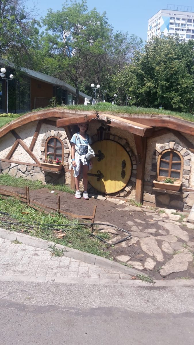 Z camp, day 4 - a full day excursion, a fairy-tale house in the park