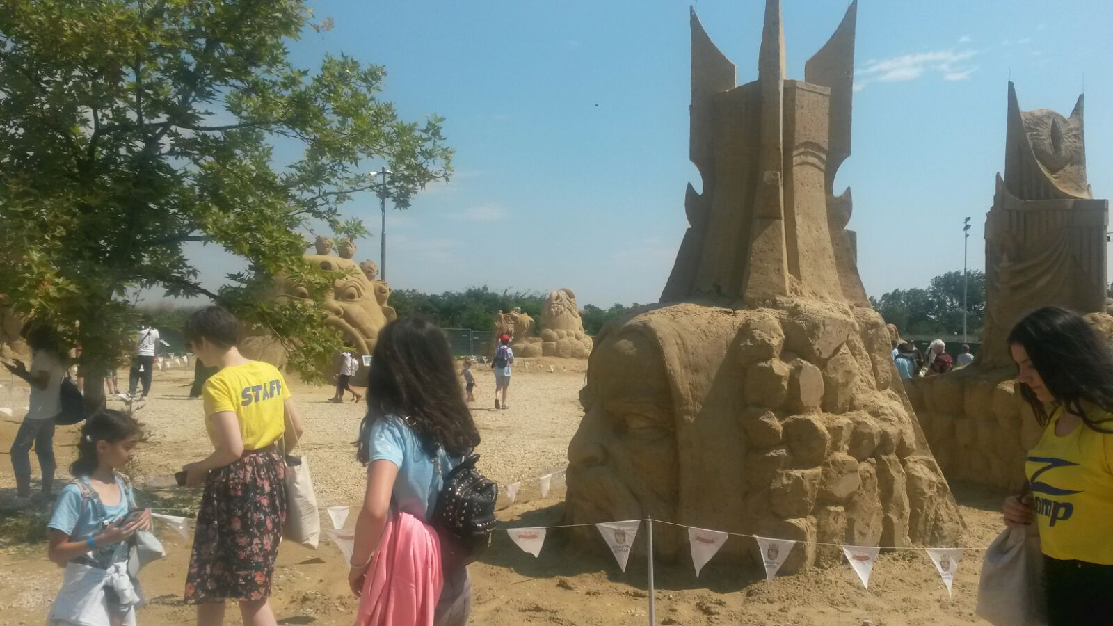 Z camp, day 4 - day trip, sand figures in Burgas