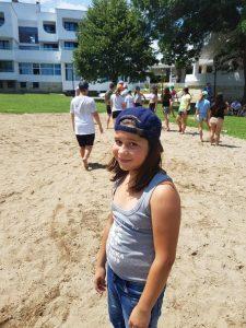 Z кемп ден 5 - момиче на волейболното игрище