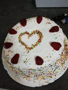 Z кемп, ден 8 - Правене на торта - ягодова със сметана