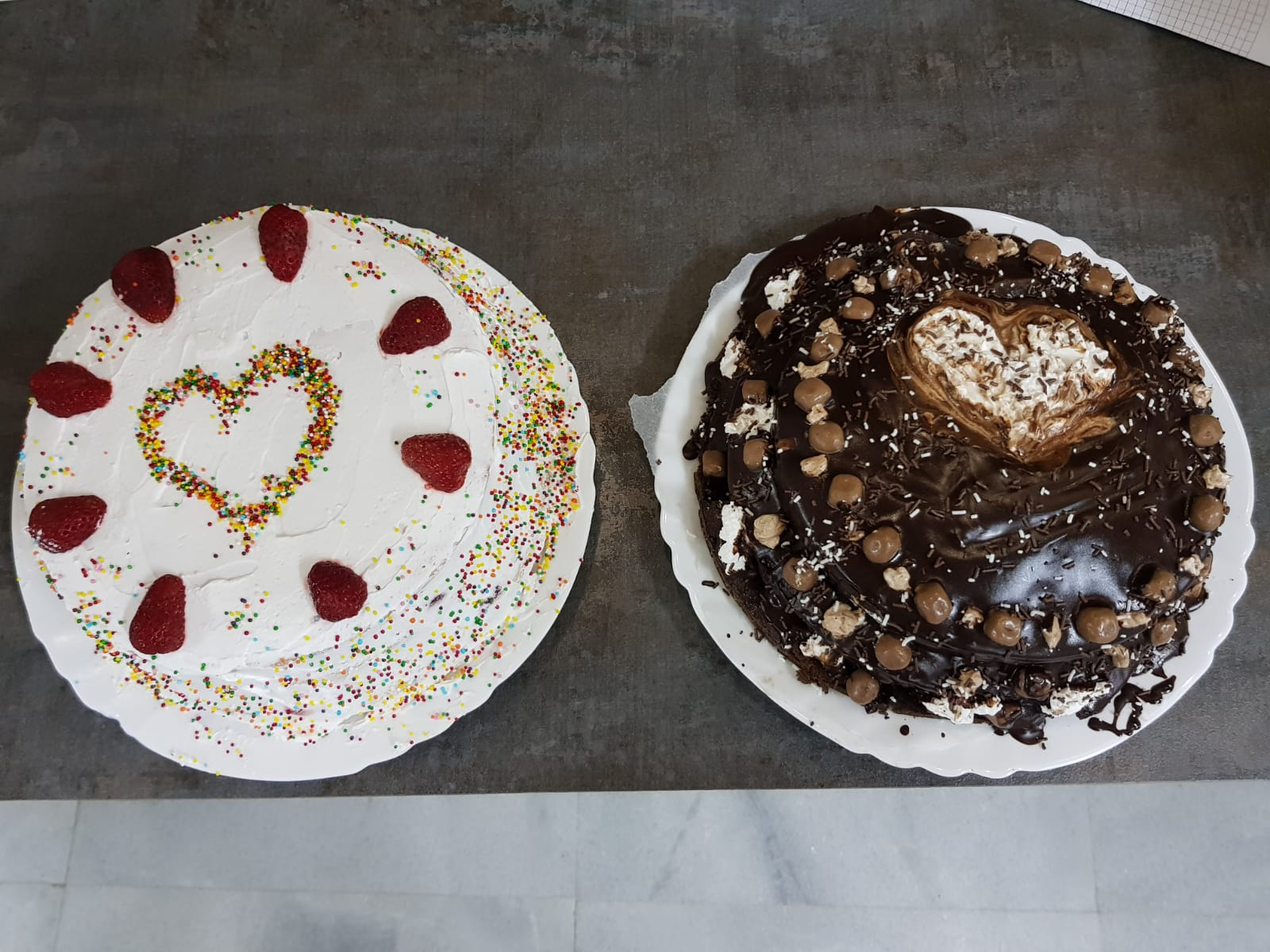 Z camp, day 8 - Make a cake, chocolate and strawberry with cream