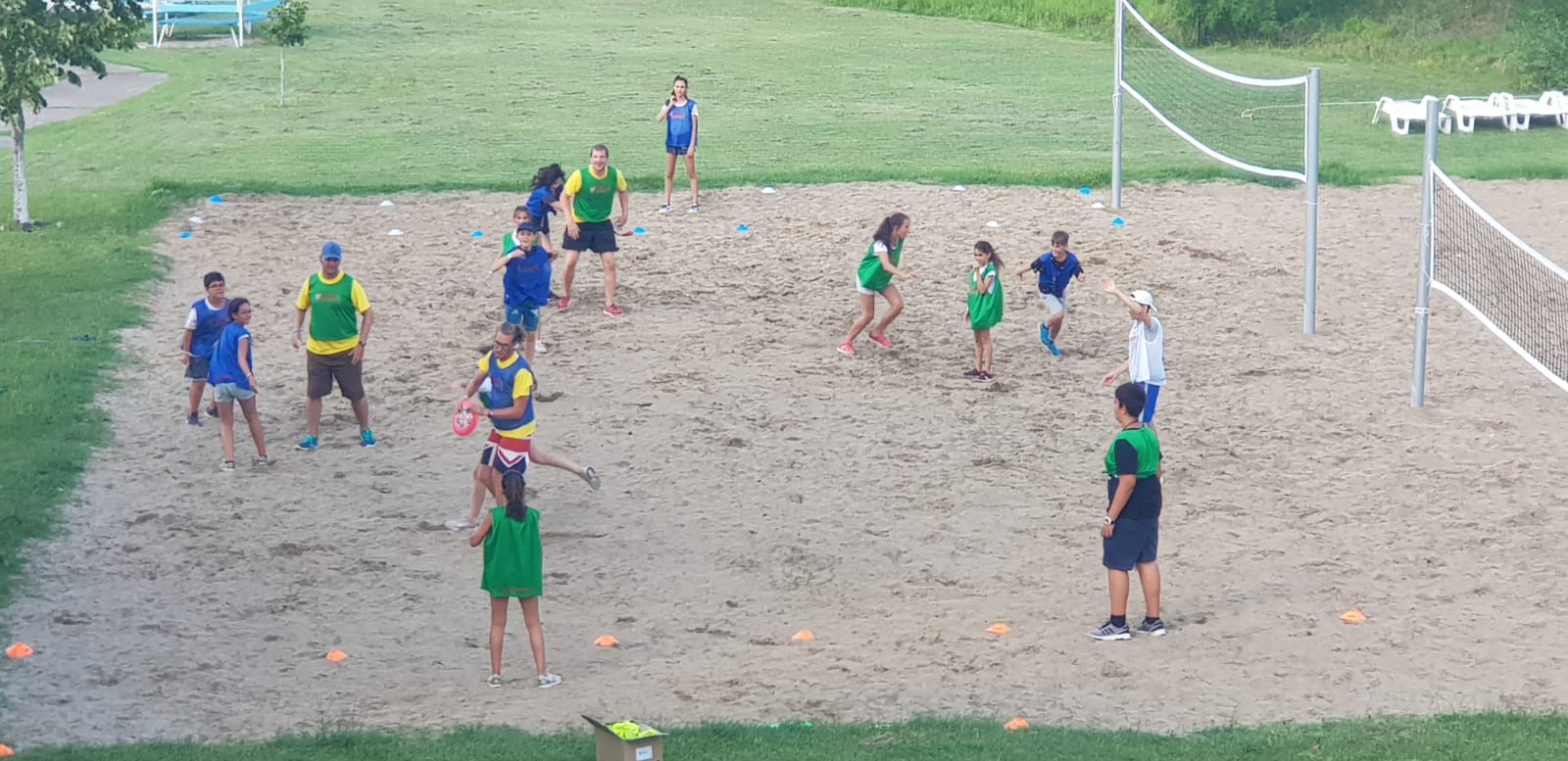 Z camp, Day 17 - Frisbee play on the sandy playground, 2 teams