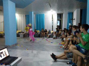Z кемп, ден 18 - модно шоу - момиче фея, в розово, дефилира пред всички
