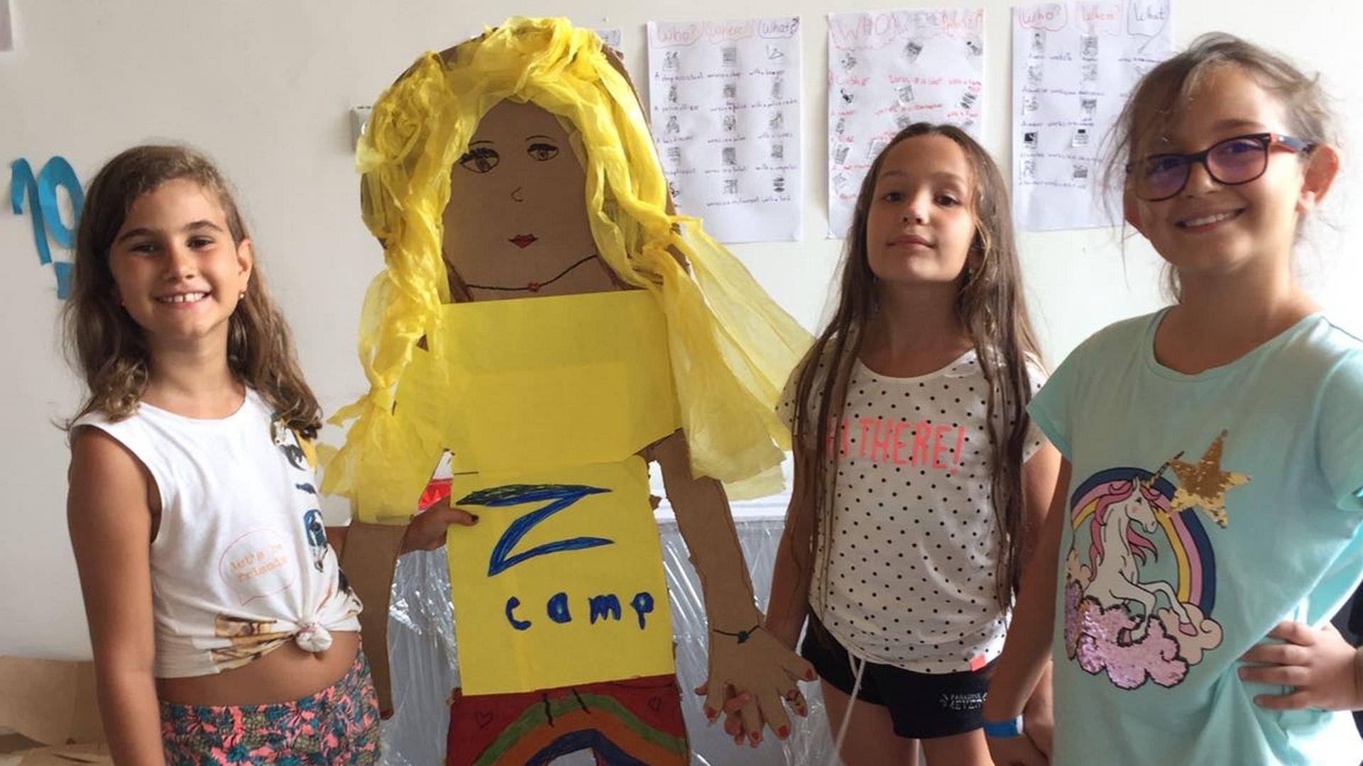 Z_camp_english_girls