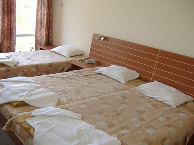 Z_camp_room