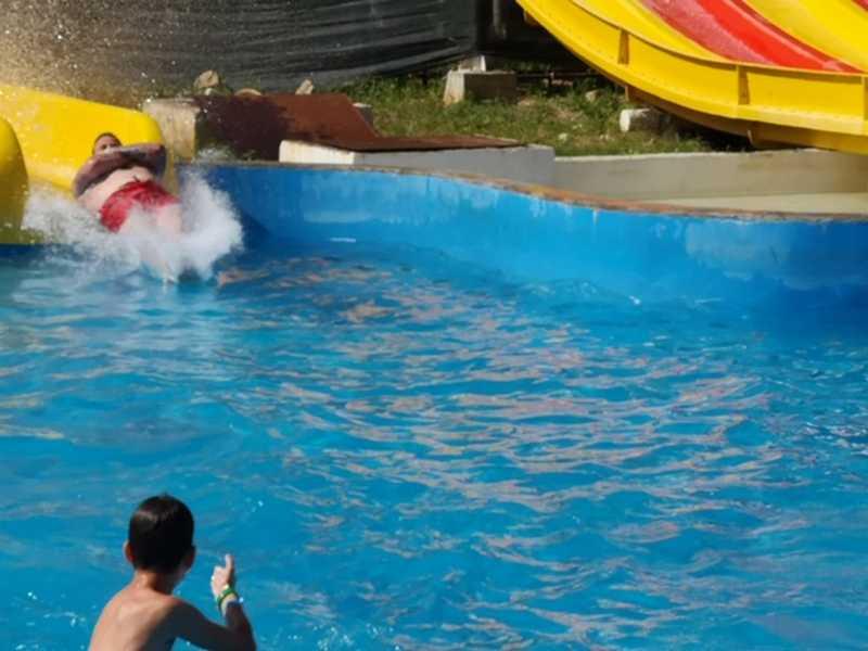 11-z-camp-2019-week1-day3-aquapark-neptune