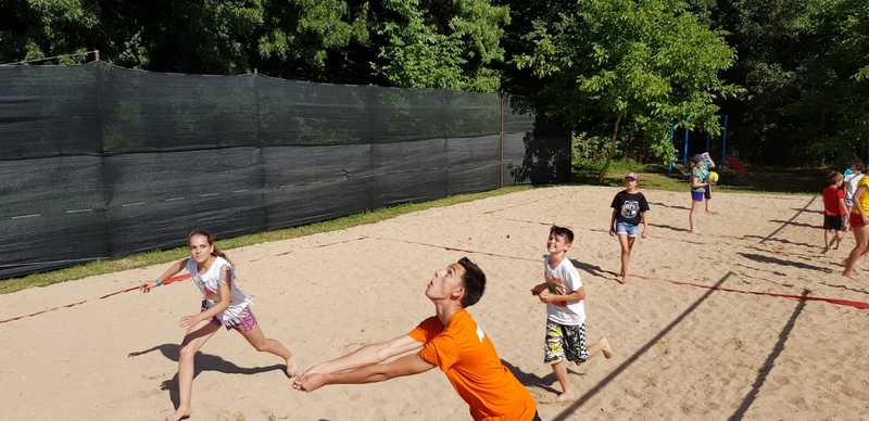 13-z-camp-2019-week1-day2-volleyball