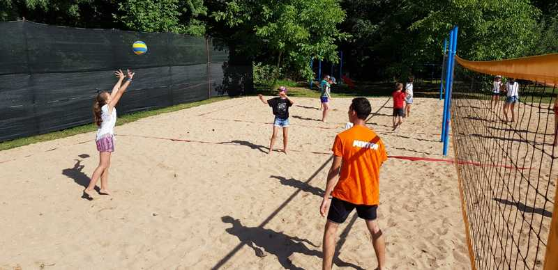 15-z-camp-2019-week1-day2-volleyball