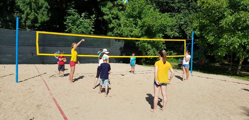16-z-camp-2019-week1-day2-volleyball