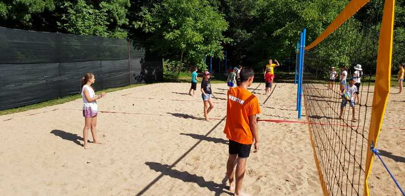 17-z-camp-2019-week1-day2-volleyball